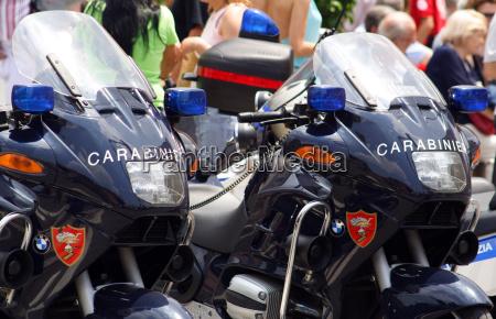 carabinieri motorraeder