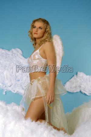 engel in wolken 2