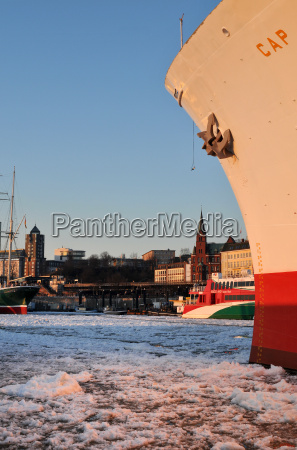 winter im hamburger hafen