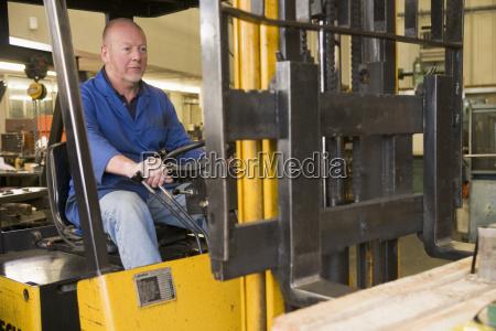 lagerarbeiter, im, gabelstapler - 2301353