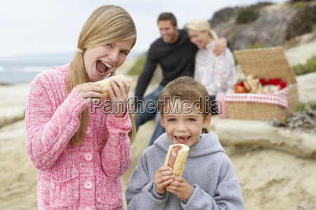 family dining al fresco at the