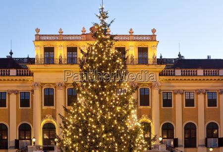 weihnachtsmarkt schoenbrunn in wien