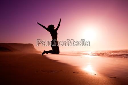 springen auf den strand