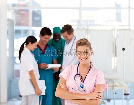 nurse, with, ärzte, im, hintergrund - 4172329