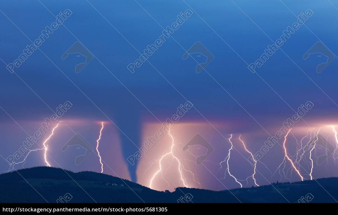 tornado, und, blitze - 5681305