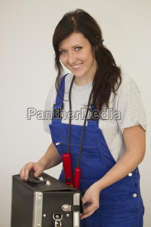 weibliche auszubildende als elekriker