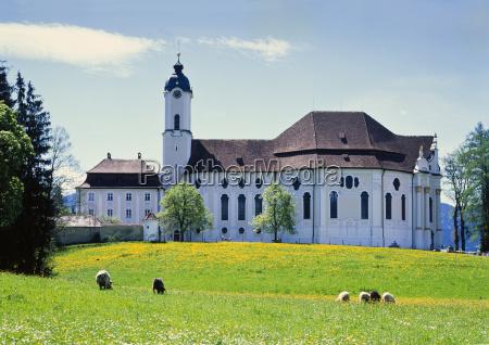 wieskirche im fruehling