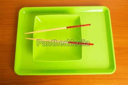 asiatische kueche konzept mit platte und