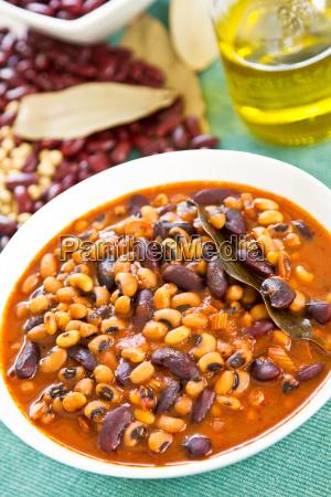 beans soup stew