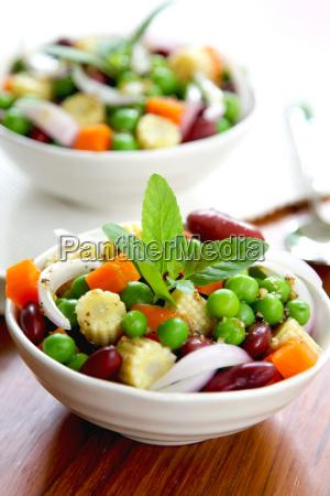 beans peas salad