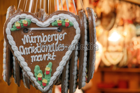 verzierung nuernberg dekoration ausschmueckung ornament weihnachtszeit