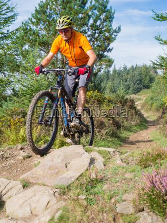 mountainbiker reiten routen in wales