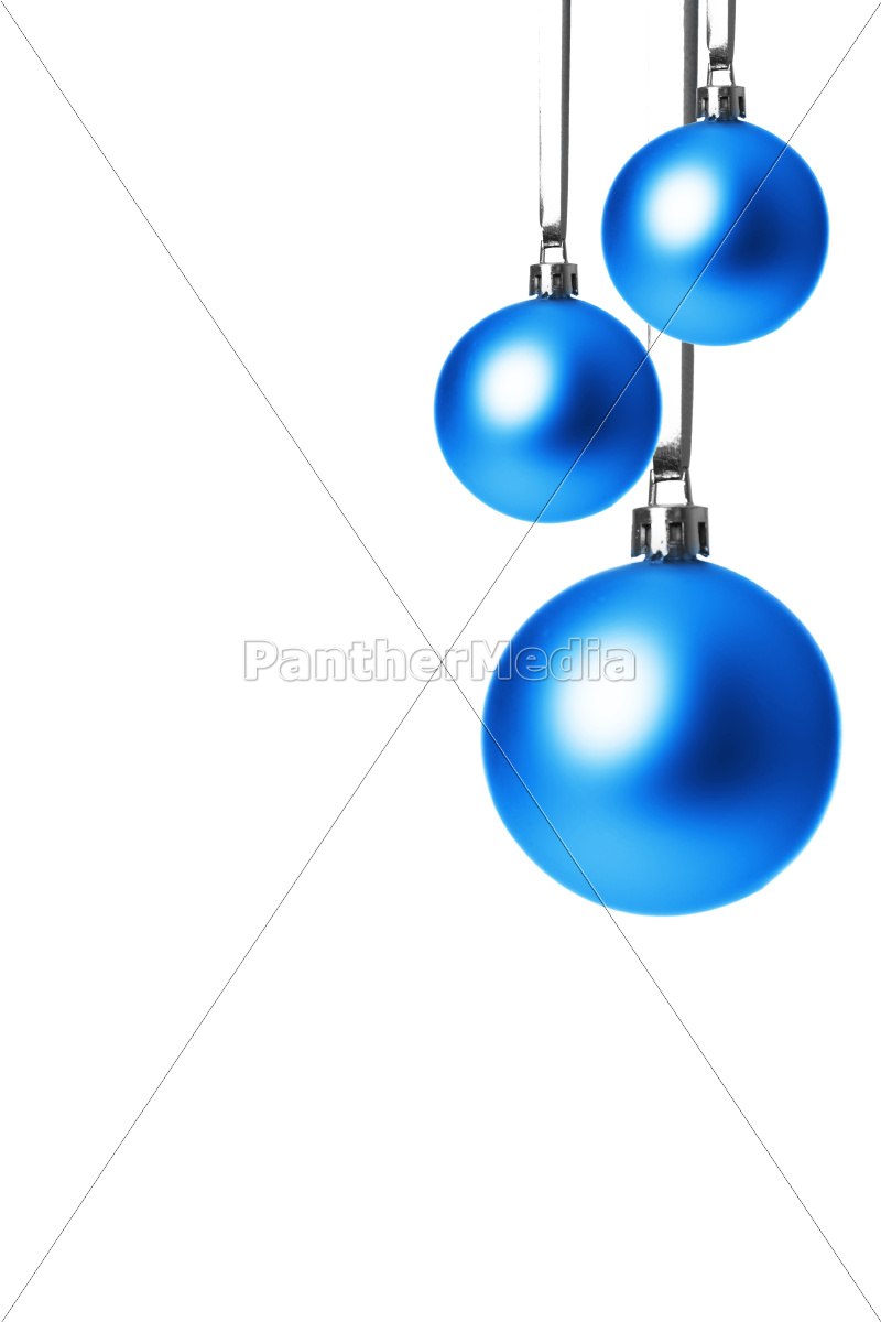 blaue christbaumkugeln h ngend freigestellt mit stock photo 10093598 bildagentur. Black Bedroom Furniture Sets. Home Design Ideas