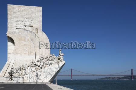 seefahrer denkmal in lissabon portugal