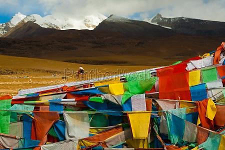 tibetan prayer flags natural landscape mountain