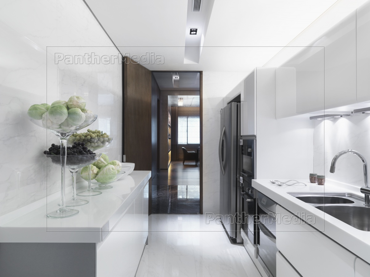 moderne weiße küche - Lizenzfreies Bild - #11319559 - Bildagentur ... | {Moderne weiße küche 58}