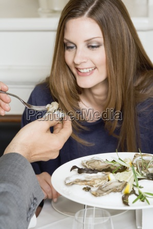 frau, restaurant, menschen, leute, personen, mensch - 11360991