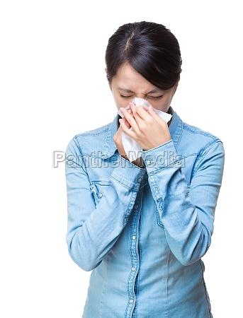 asien frau niesen