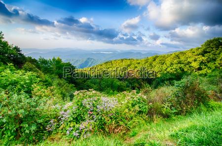 sonnenaufgang ueber blue ridge mountains scenic