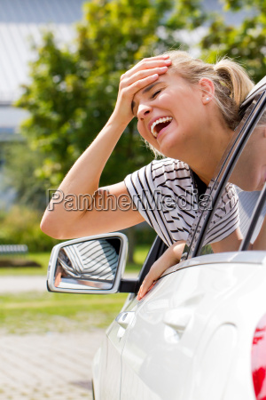 missgeschick beim autofahren