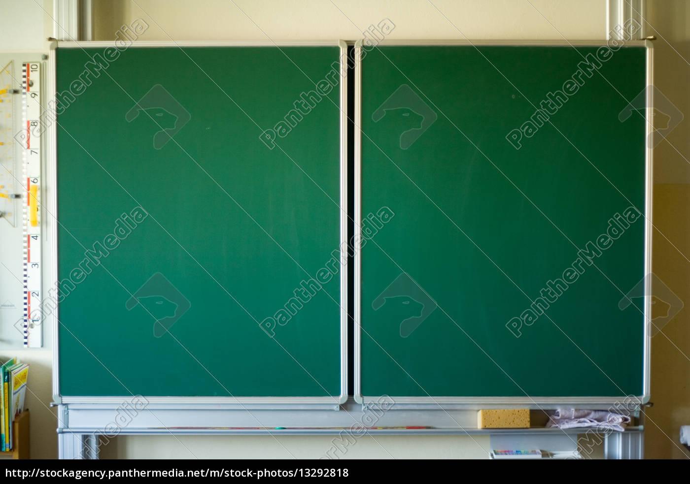 gr u00fcn tag schreiben schule leer bildung tafel gruen   Stock Photo   #13292818   Bildagentur