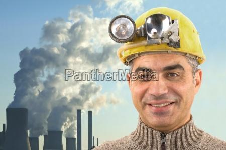 werksarbeiter mit kraftwerk