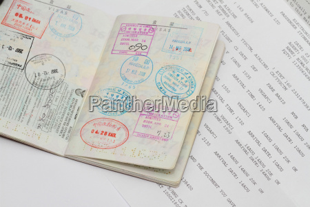 visa on japanese passport and e