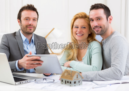 real estate agent present project on