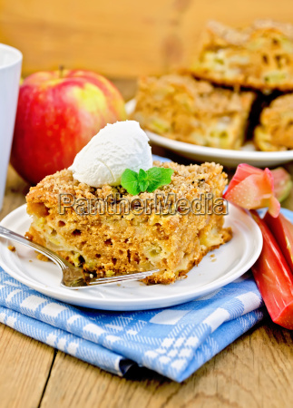 pie with rhubarb and ice