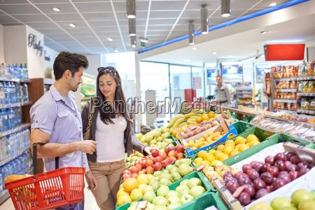 paar, einkauf, in, einem, supermarkt - 14325597