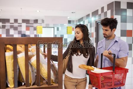 paar, einkaufen, in, einem, supermarkt - 14325589