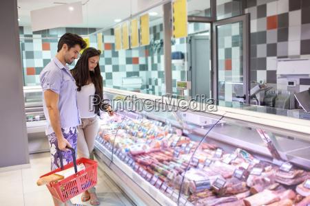 paar, einkaufen, in, einem, supermarkt - 14325593