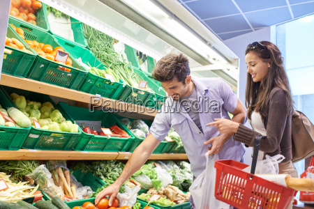 paar, einkaufen, in, einem, supermarkt - 14325601
