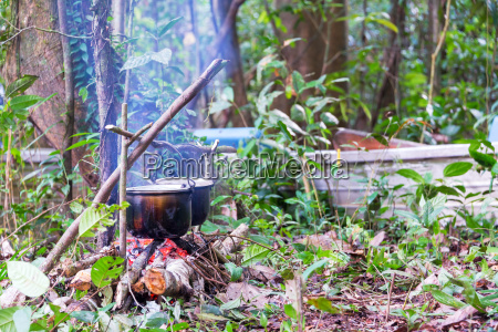 campfire cooking in the amazon