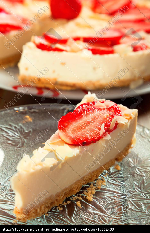 cheesecake mit erdbeeren lizenzfreies bild 15802433 bildagentur panthermedia. Black Bedroom Furniture Sets. Home Design Ideas