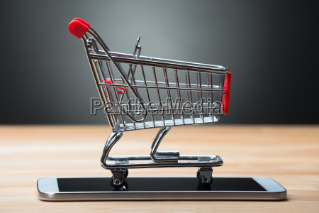 shopping cart on smartphone