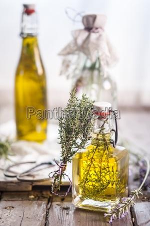 lavender vinegar rosemary oil and thyme