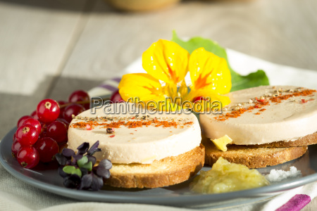 dish of spiced foie gras on