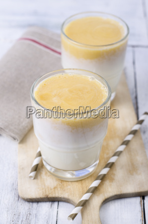 buttermilk mango smoothie