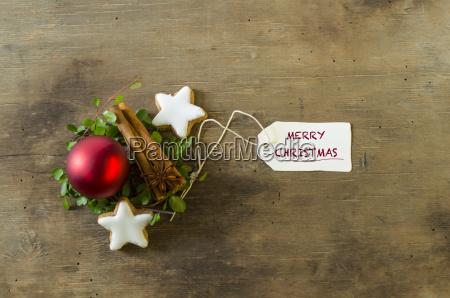 christmas decoration with cinnamon sticks and