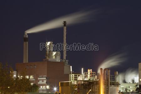 deutschlandleverkusenchemiepark chempark in der nacht