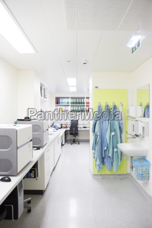 empty pcr lab
