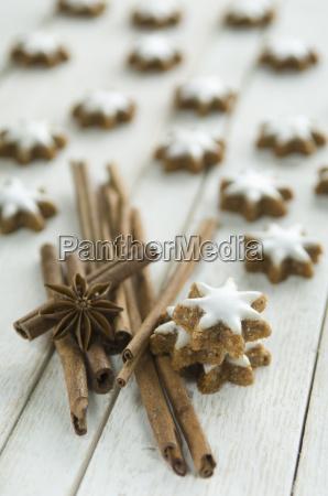 cinnamon stars and cinnamon sticks