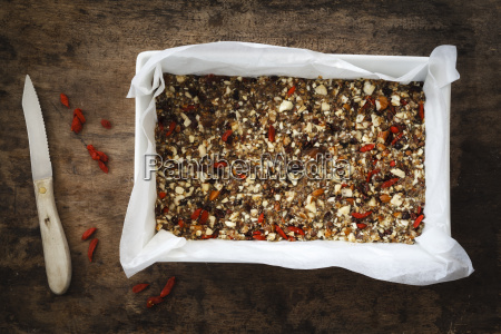 preparing glutenfree vegan granola bars