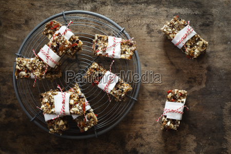 homemade glutenfree vegan granola bars on