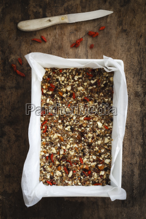 preparing glutenfree vegan granola bars