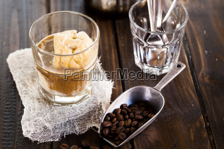 glass of affogato al caffe
