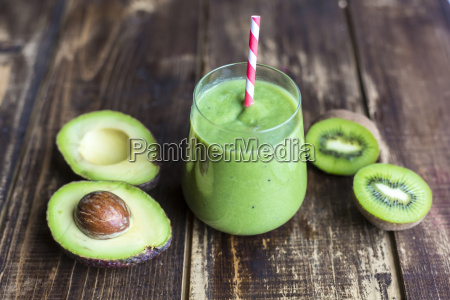 glass of avocado kiwi smoothie and