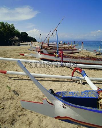 prahulokale auslegerbootesanur beachbaliindonesienasien
