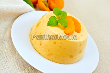 panna cotta apricot with mint and